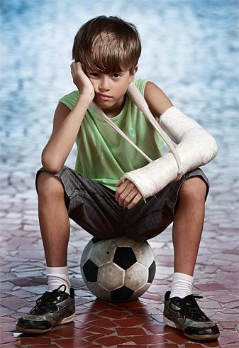 Resultado de imagem para criança fome futebol