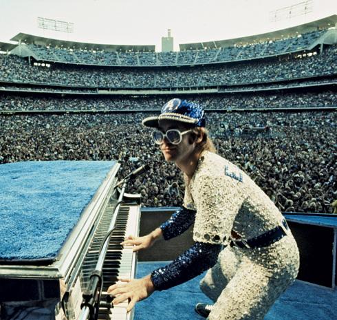 9e1d14379543a Elton John, o cavaleiro mais louco da rainha - ISTOÉ Independente